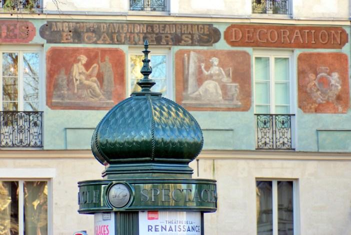 Morris Column, Quai de la Tournelle, 5th arrt of Paris © French Moments