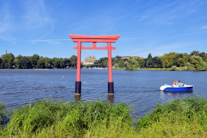 Torii in the Saulcy lake, Metz © French Moments