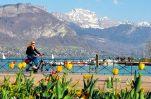 Cycling Lake Annecy © French Moments
