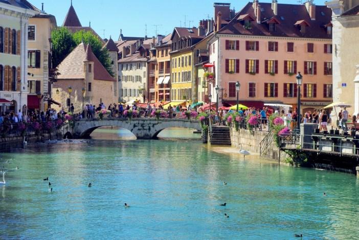 Pont de la Halle Annecy © French Moments