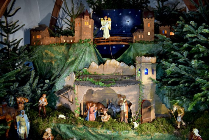 The Nativity scene in the chapel of the Haut-Barr castle © French Moments