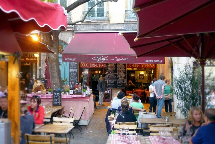 A bouchon in the old town of Lyon © French Moments