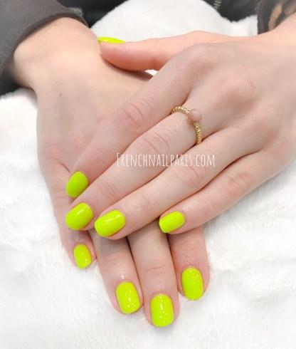 Profitez de la pose vernis permanent qui transforme vos mains et sublime vos ongles