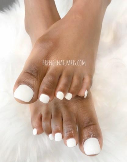 Installez-vous confortablement puis savourez un moment unique pour votre pose résine avec vernis permanent jusqu'au bout des pieds.