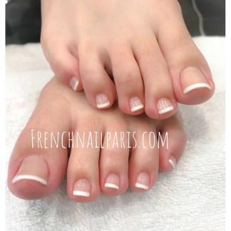 Beauté des pieds avec vernis permanent french