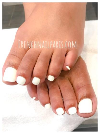Pose gel pieds avec vernis classique
