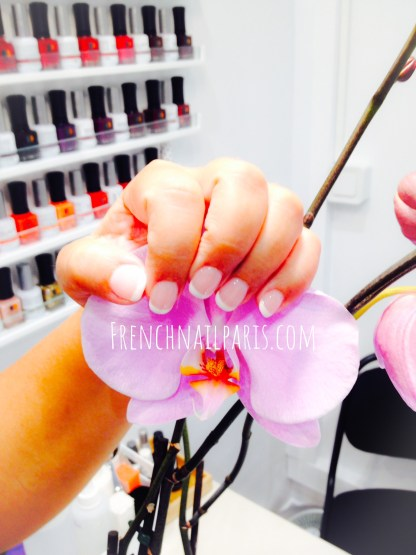 Pose vernis permanent french manucure