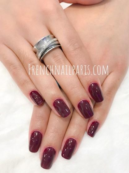 Offrez-vous un soin pour la pose de vernis semi permanent des mains pour des ongles superbement colorés !