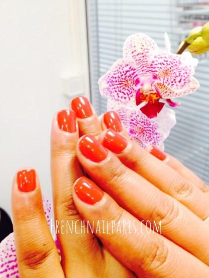 Plongez au cœur du bien-être et de la beauté et offrez-vous une pose de vernis semi permanent pour vos mains superbement colorés avec professionnalisme !
