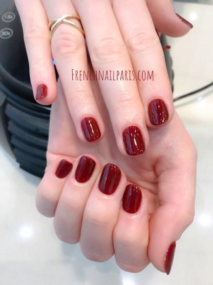 Pour des ongles tendances et sublimés, vos expertes vous proposent une beauté des mains parfaitement réalisée et colorée.