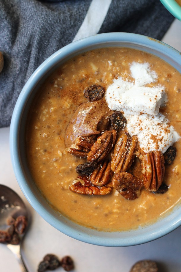 Vegan pumpkin spiced oatmeal gets turned up a notch with collagen protein, flavorful spices and plump raisins. Make ahead breakfast done in 5 minutes!
