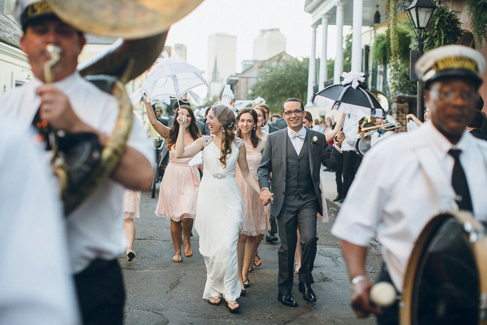 048-new-orleans-wedding-second-line-2