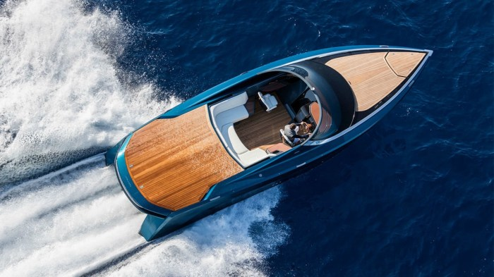 Aston Martin and Quintessence Yachts AM37