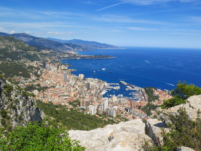 Panoramic views over the Principality of Monaco from the top of the Tete du Chien