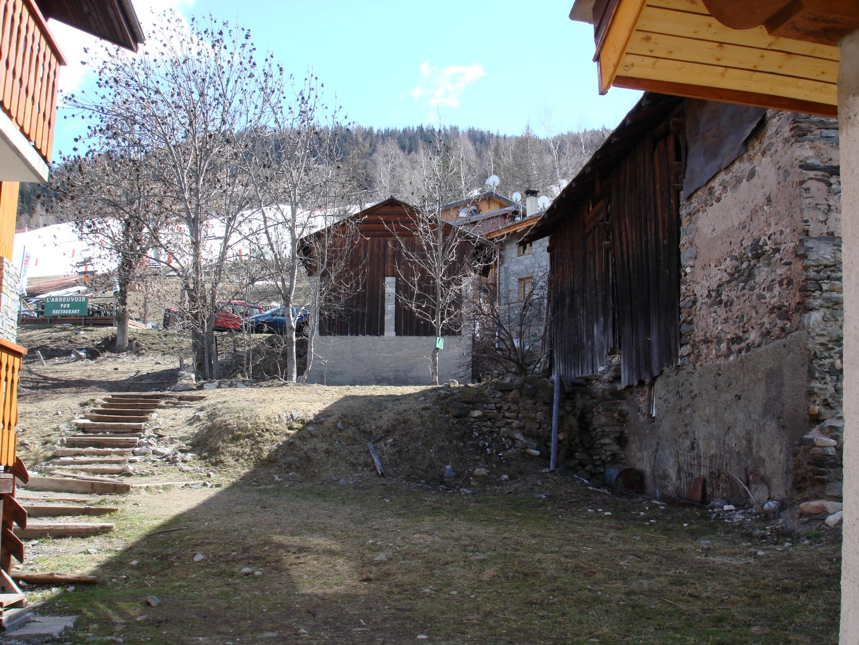 Barn and Development Plot Side