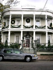 New Orleans Mansion still decked out for Christmas in early January when I was there. I was blessed on my trip to the Big Easy with temperatures in the 60′s to high 70′s on all four days.