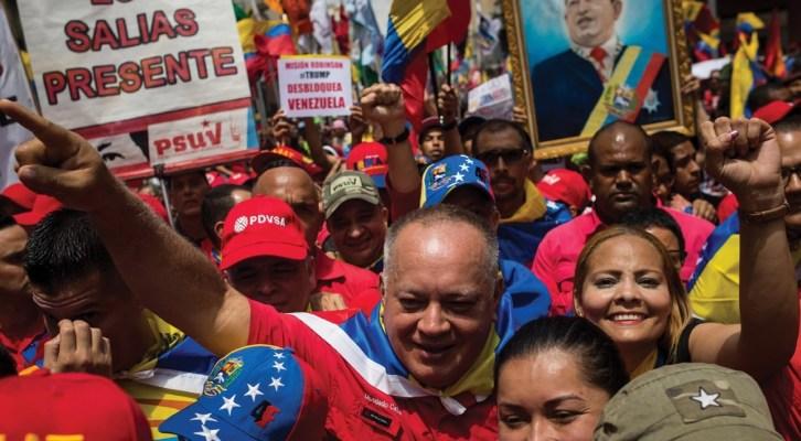Venezuela. Una ola roja contra las sanciones: «Trump desbloquea a Venezuela»