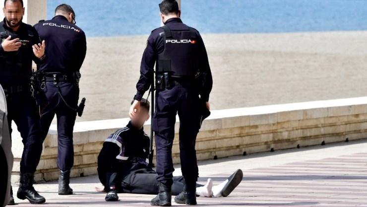 Detención en Almería el pasado sábado de un ciclista por incumplir las medidas de confinamiento del estado de alarma.