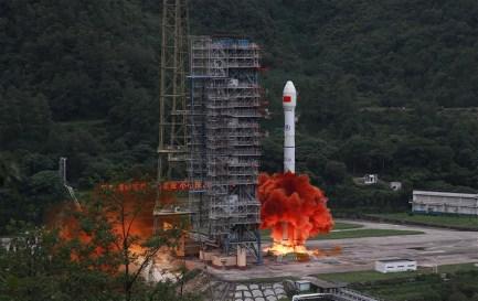 O Foguetão Grande Marcha 3B, levou para o espaço o 55º e último satélite do sistema de navegação por satélite BeiDou (Ursa Maior), o 4º sistema do género, depois do GPS (Estados Unidos), Galileo (União Europeia) e Glonass (Rússia) – http://www.correodelorinoco.gob.ve/china-completo-su-constelacion-de-satelites-de-navegacion-global/