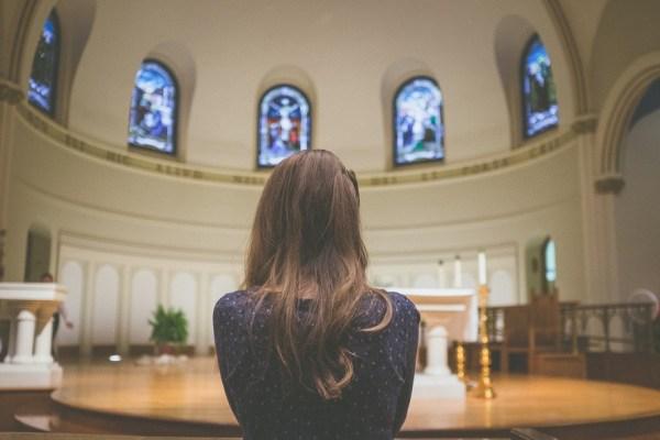 Pourquoi n'est-il pas bon d'aller dans plusieurs églises ?