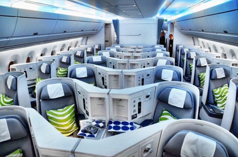 direkterute til Sør-Korea langdistansetilbudet I forbindelse med åpningen av den nye ruten mellom Helsinki og Los Angeles 31. mars, kommer Finnair med en rekke nye produkter til passasjerene på businessklasse. Dette vil redusere den årlige plastmengden med 4500 kilo per år. Nyhetene blir tilgjengelig på Finnairs transkontinentale flyreiser på deres A350- og A330-fly, og er i tråd med designtekstilen som allerede er en del av interiøret på disse flygningene. Flyselskapet viderefører sitt langvarige samarbeid med det finske designermerket Marimekko, samtidig som de inngår nye bærekraftige partnerskap.