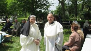 Le frère Antonio Ryo (Strasbourg) et une soeur du monastère de Prouilhe