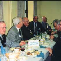 groupe1950_repas_2000