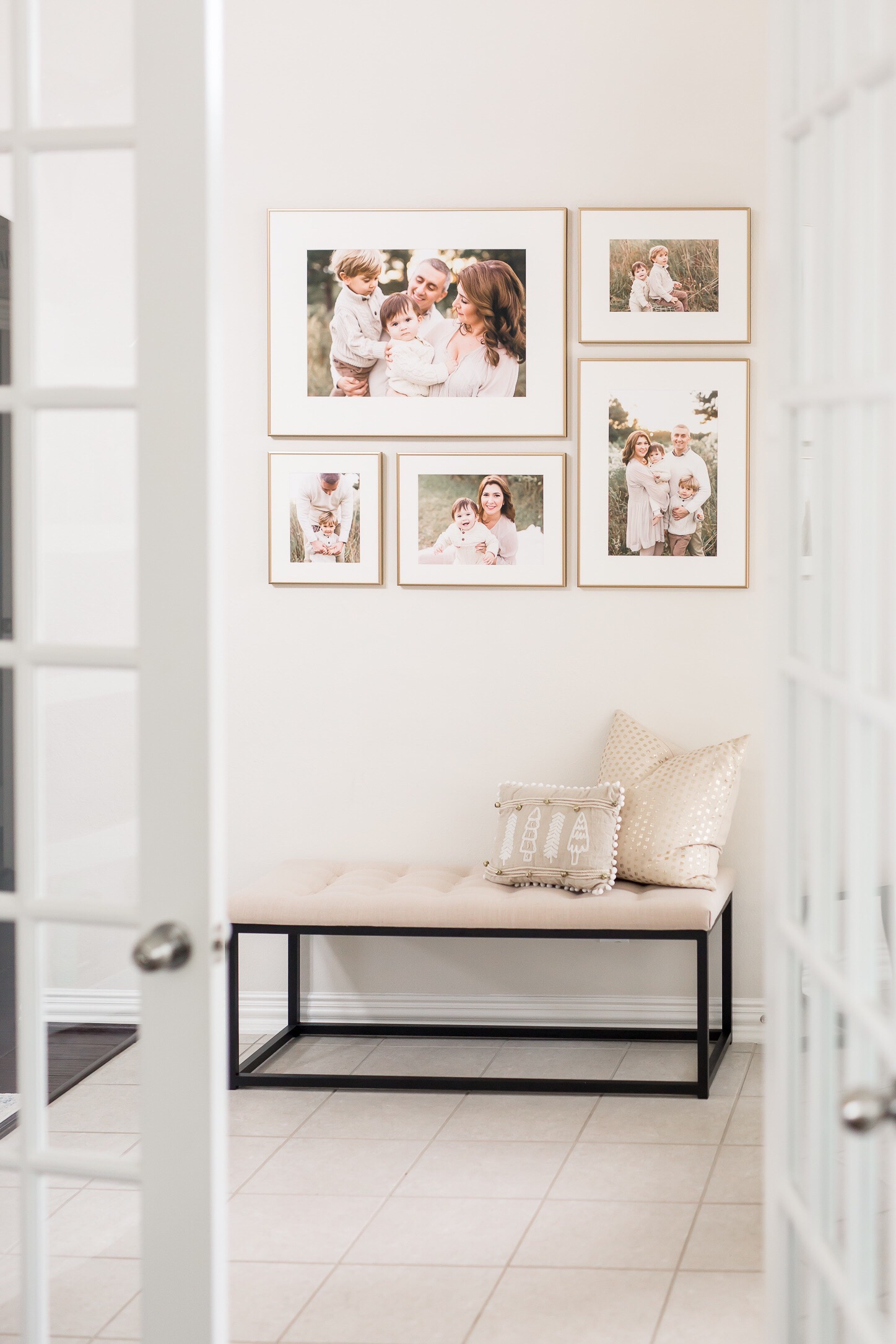 12 Stunning Gallery Wall Designs for your New Family Pictures
