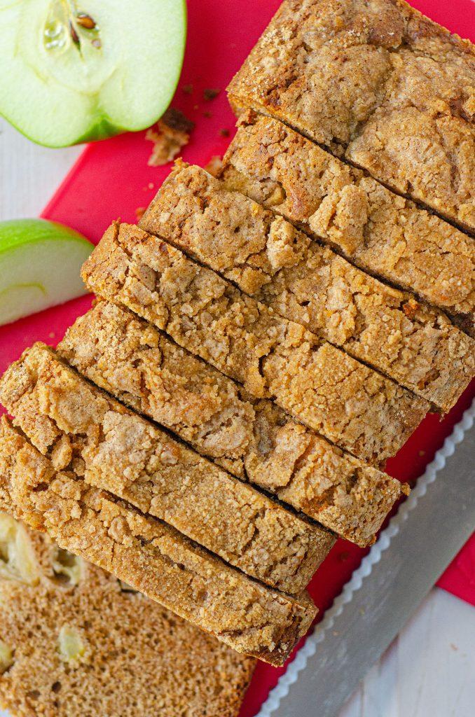 apple cinnamon streusel bread