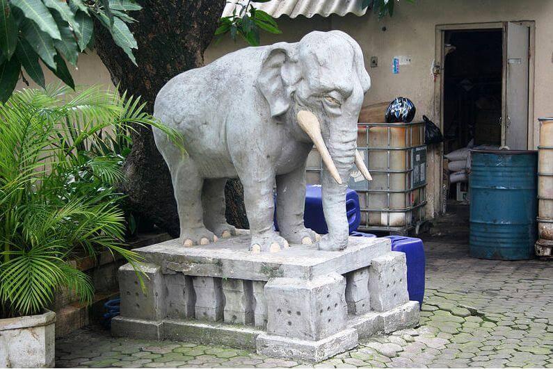 Advantages Elephant Statues Facing door