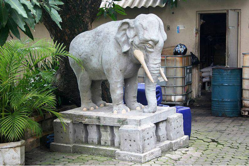 Advantages Elephant Statues Facing door