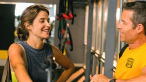 Cobie Smulders and Guy Pearce working on their fitness in RESULTS. Photo courtesy of the Dallas Film Society.