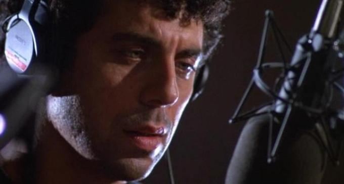 Leading man of Talk Radio Eric Bogosian voicing his radical opinions on the city of Dallas