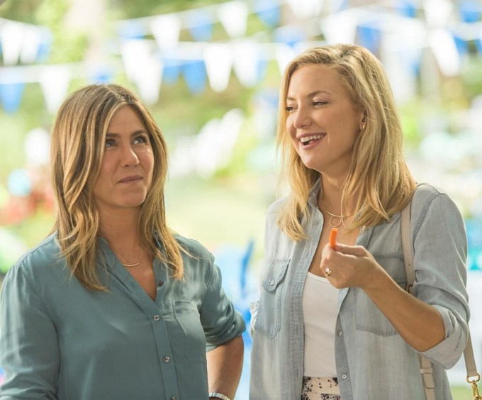 Jennifer Aniston and Kate Hudson in MOTHER'S DAY. Courtesy of Open Road.