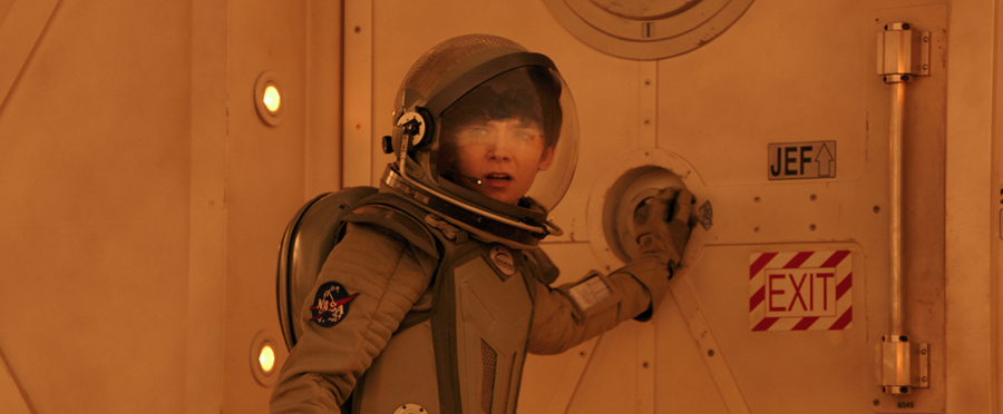 Asa Butterfield is 'THE MARTIAN' in 'THE SPACE BETWEEN US' trailer