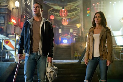 Stephen Amell and Megan Fox star in TEENAGE MUTANT NINJA TURTLES: OUT OF THE SHADOWS. Photo courtesy of Paramount Pictures.