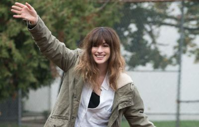 Star of COLOSSAL Anne Hathaway dancing for a very particular (and funny) reason.