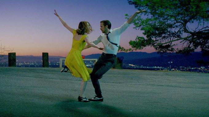 Emma Stone and Ryan Gosling in LA LA LAND. Courtesy of Lionsgate.