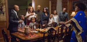 Danny Glover, Gabrielle Union, Kimberly Elise, Romany Malco, Mo'Nique, Nicole Ari Parker, J.B. Smoove, Nadej k Bailey, Alkoya Brunson, and Marley Taylor in ALMOST CHRISTMAS. Courtesy of Universal Pictures.