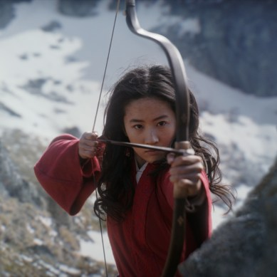 'MULAN' Review: A Smudged Reflection of a Strong Image