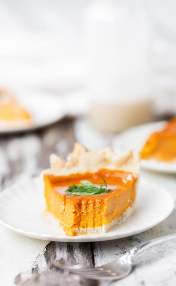 Brown Sugar Roasted Caramelized Carrot Pie may be unconventional on your dessert table but this absolutely delicious pie has amazing flavor and is perfect for Spring! carrot recipes   carrot pie recipe   Easter dessert