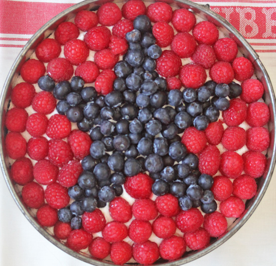 4h of July Cheesecake...a little red white and blue for Independence Day.