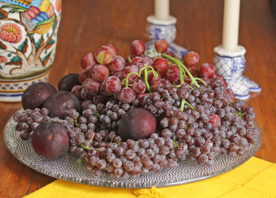 Melissa's Muscato and Champagne Grapes look like a still-life painting.