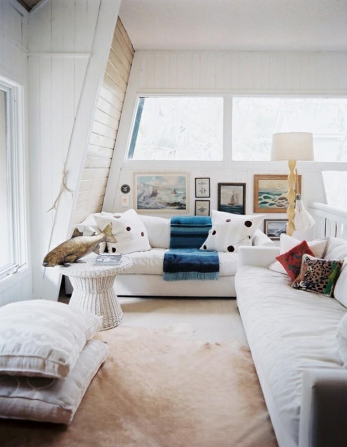 wandbilder wohnzimmer weisse mobel teppichboden beige