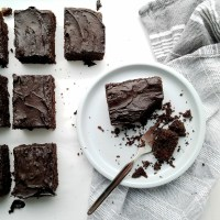 Chocolate Maca Cake w/Frosting! (paleo)