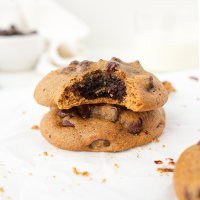 Brownie Stuffed Chocolate Chip Cookies (paleo & nut free)