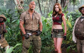 Feel Bad for Karen Gillan And Her Short Shorts In The First Image from the New 'Jumanji'