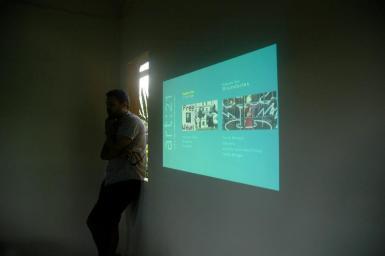 Ewan Atkinson introducing Art 21