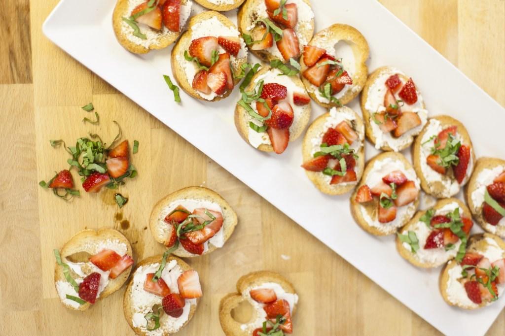 Strawberry bruschetta by Fresh Mommy Blog