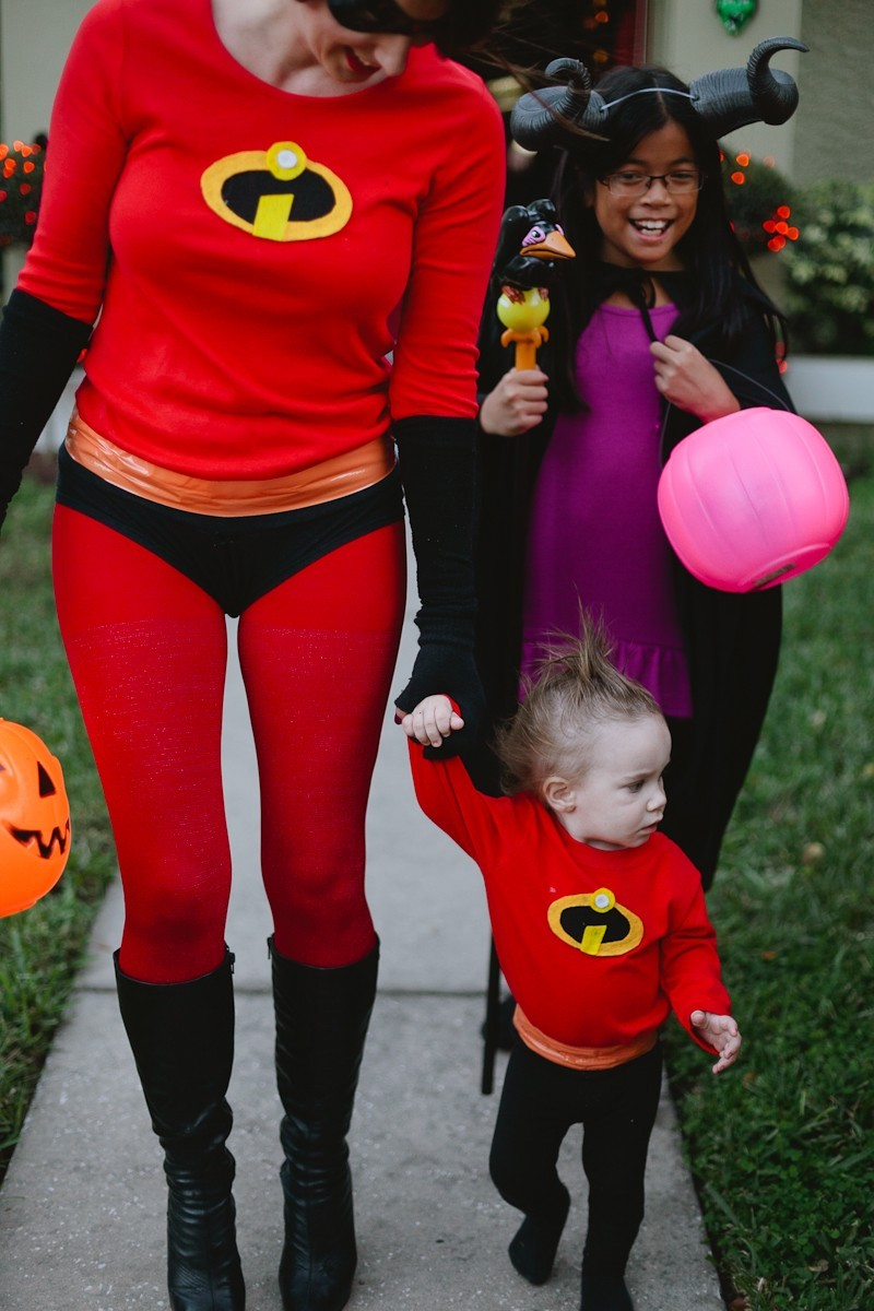 Easy incredibles family costume life fresh mommy blog diy incredibles costume fresh mommy blog 24 easy diy incredibles family costume by solutioingenieria Image collections